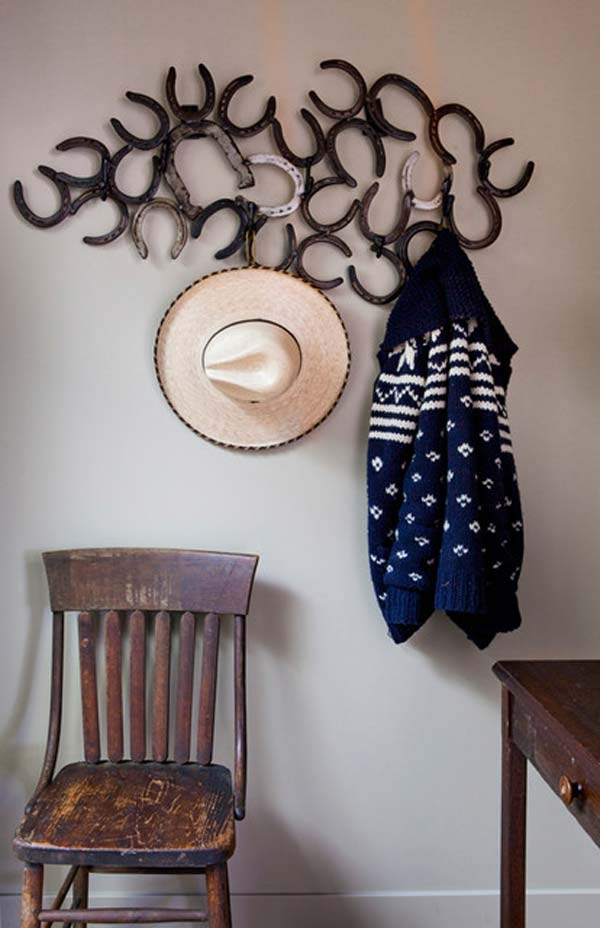 18 Super Cool DIY Horseshoe Projects That Will Add Charm To Your Home Decor