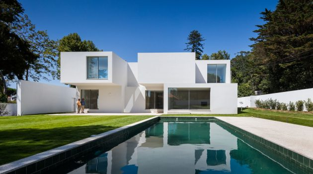A Stack Of Blocks – The House MR by 236 Arquitectos in Portugal