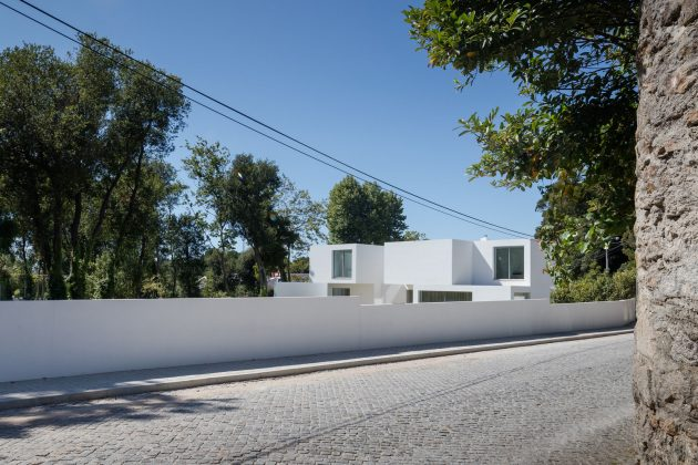 A Stack Of Blocks - The House MR by 236 Arquitectos in Portugal