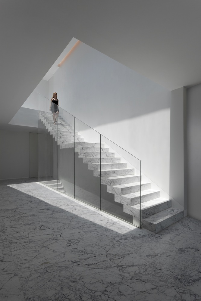 Aluminum house by fran silvestre arquitectos in madrid spain - Arquitectos madrid ...