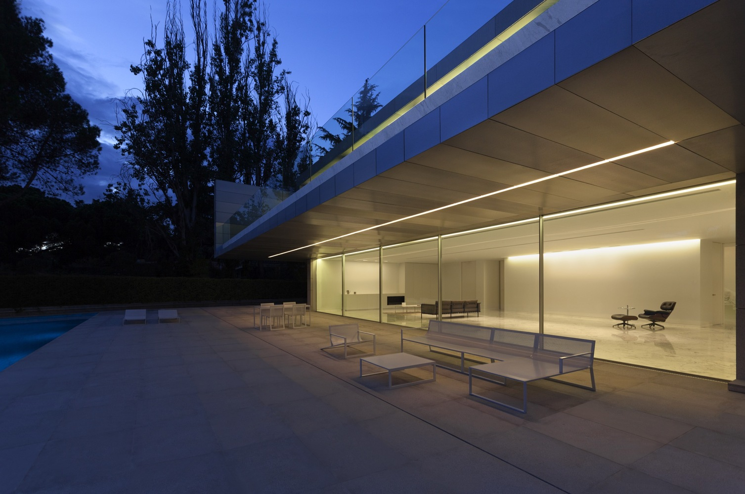 Aluminum House By Fran Silvestre Arquitectos In Madrid Spain