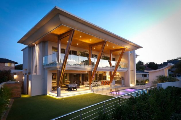 Applecross House by Brian Burke Homes in Perth, Australia