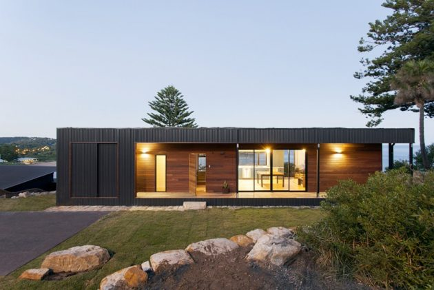 Avalon a modern prefab beach house with green roof by for Architectural modular homes