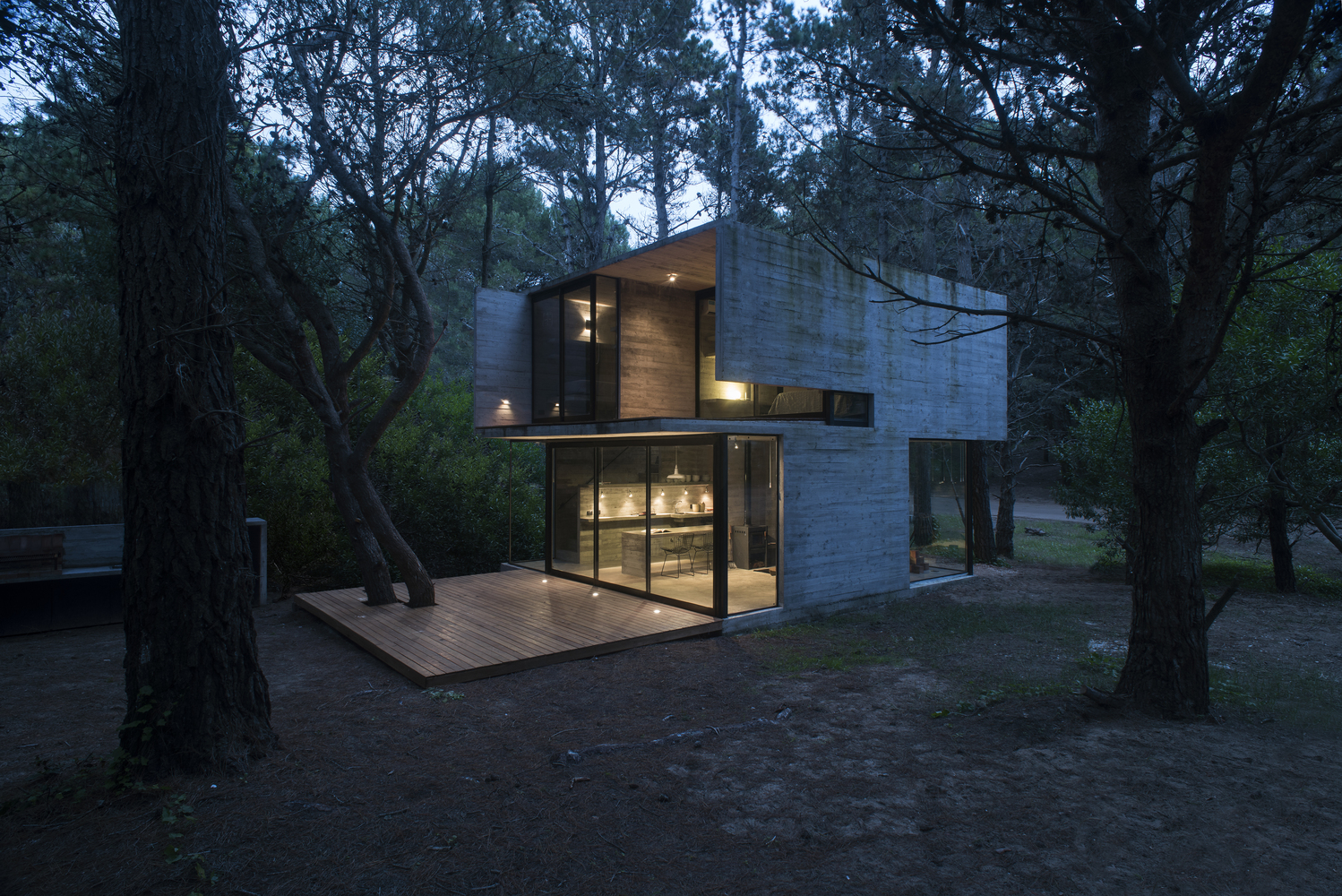 H3 house by luciano kruk in mar azul argentina for Forest house