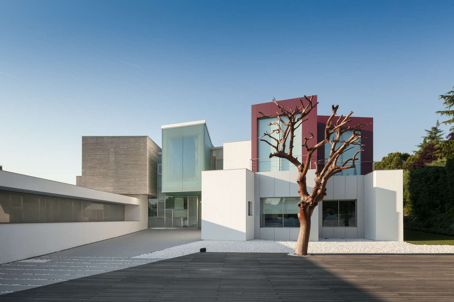 ... Contemporary Architecture Madrid House H A Contemporary Villa By Abiboo  In Madrid Spain ...