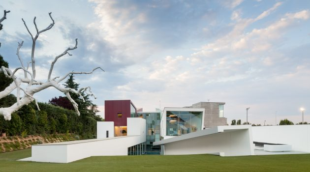 House H – A Contemporary Villa by Abiboo in Madrid, Spain