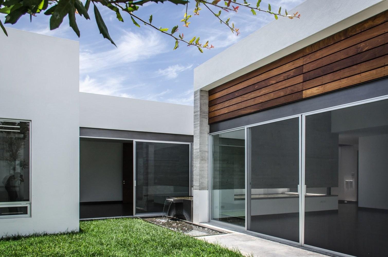 House t02 by adi architecture and interior design in mexico for Casa moderna design