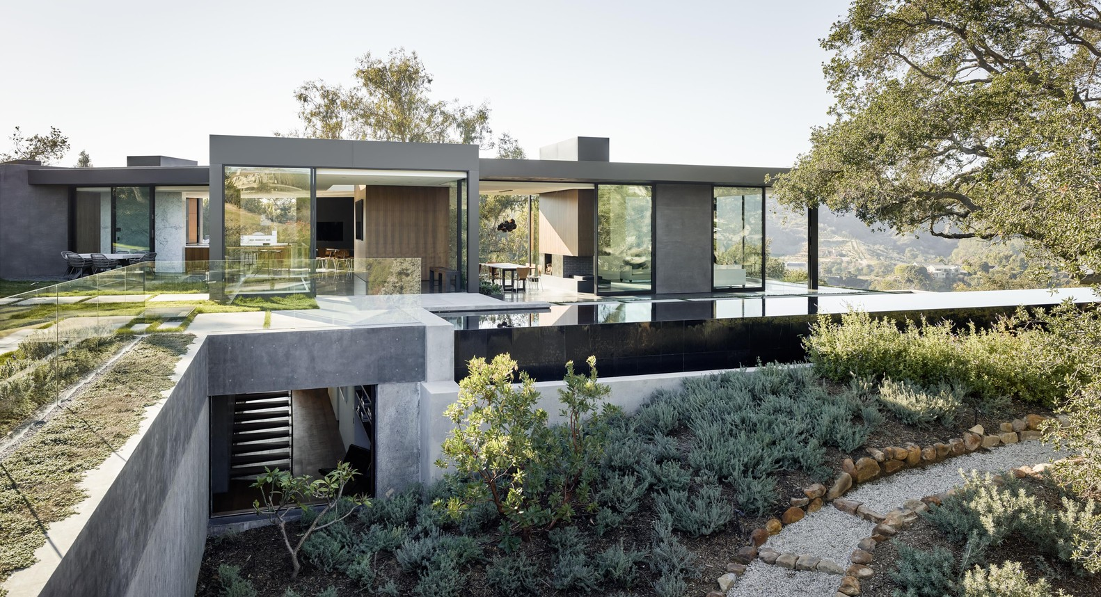 Oak pass house by walker workshop in beverly hills california for Minimalist house beverly hills