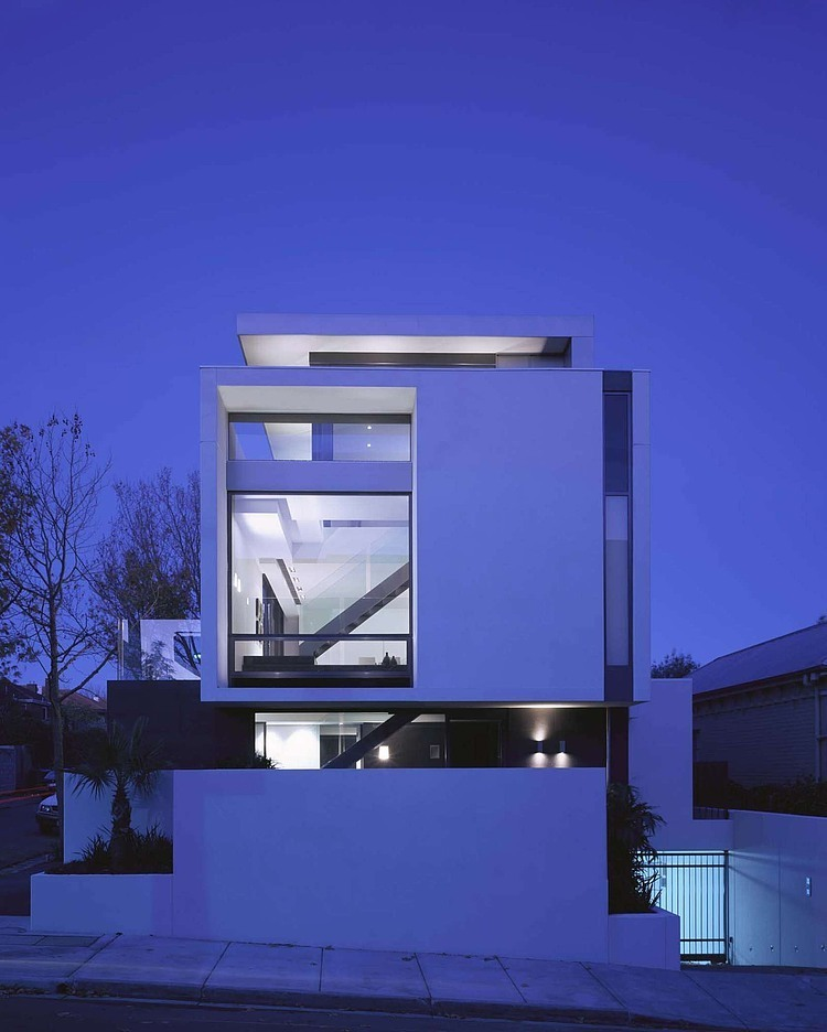 Contemporary Australian Home Architecture On Yarra River