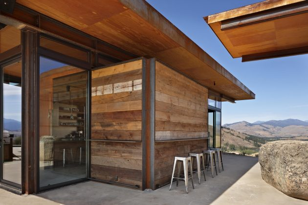 Studhorse by Olson Kundig in Winthrop, Washington