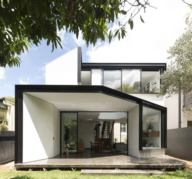 Unfurled House by Christopher Polly Architect in Sydney, Australia