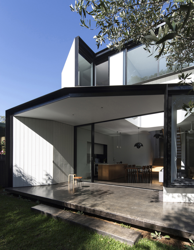 Unfurled House by Christopher Polly Architect in Sydney ...