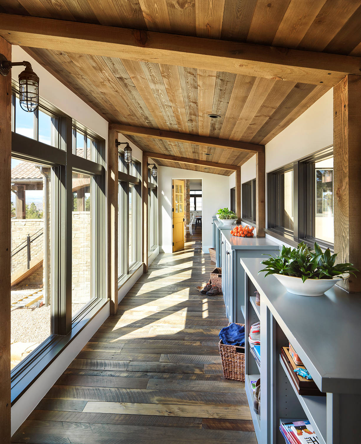 Home Interior Design Ideas Hall: 15 Great Rustic Hallway Designs That Will Inspire You With