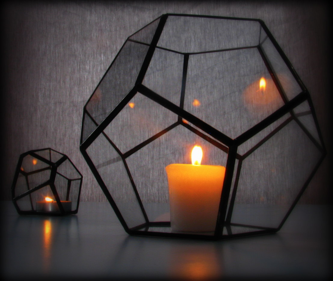 Light Designs: 16 Perfect Geometric Light Designs To Decorate Your Home With