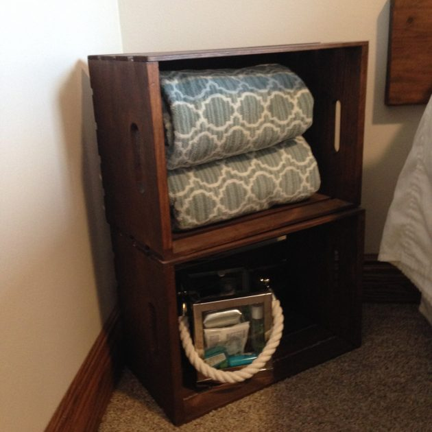 17 Classy and Practical Nightstand Designs For Your Bedroom