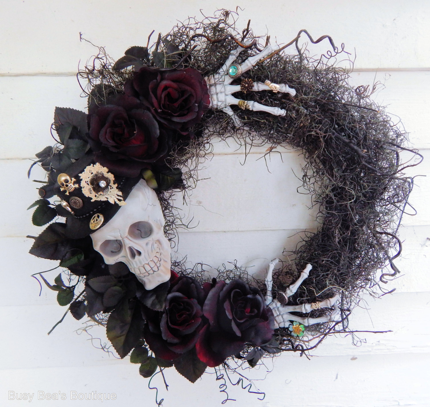 18 Spooky Handmade Halloween Wreath Designs For Your Front