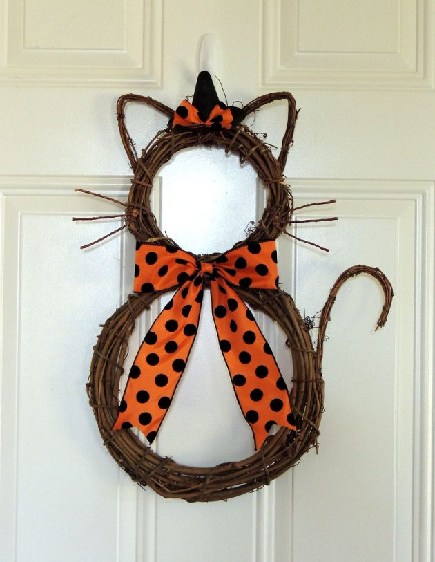 18 Spooky Handmade Halloween Wreath Designs For Your Front Door