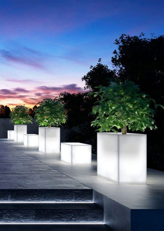 15 Astonishing Illuminated Planter Designs That You Shouldnt Miss