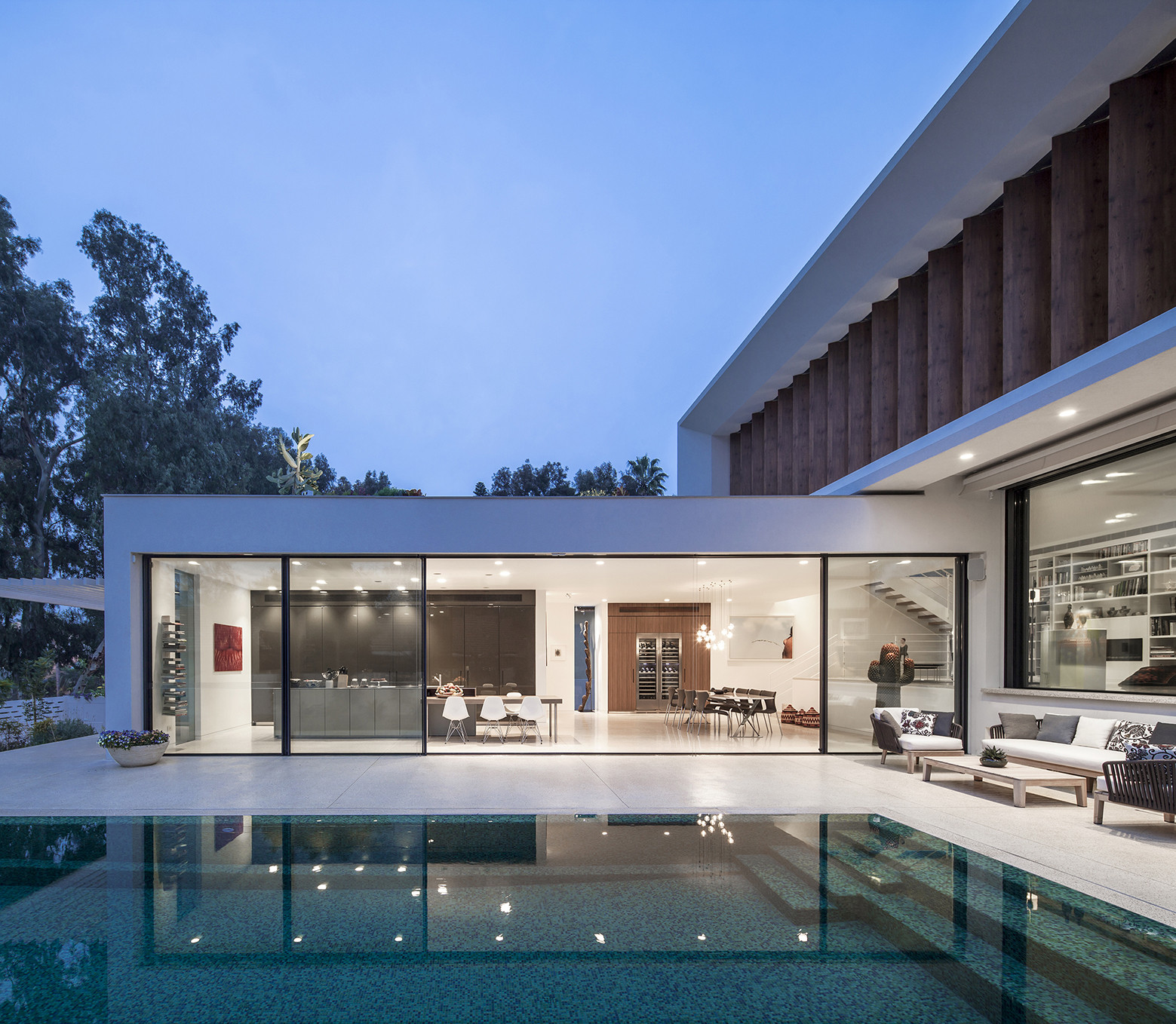Tv house a mediterranean villa by paz gersh architects for L home design