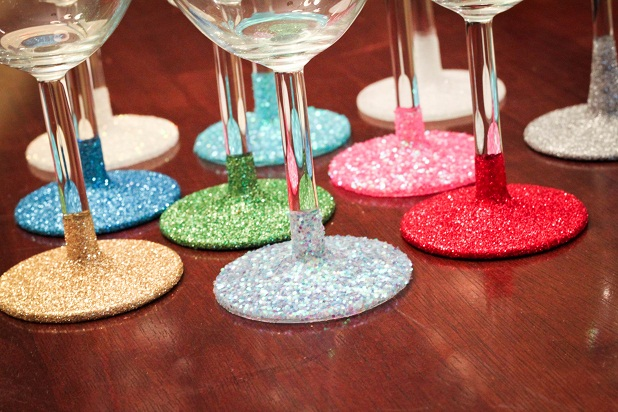 20 Sparkling DIY Glitter Decorations That Will Cheer Up Your Home