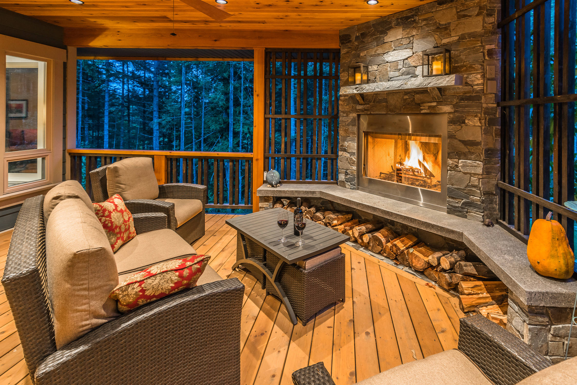 15 amazing rustic deck designs that will enhance your for Building an outdoor room
