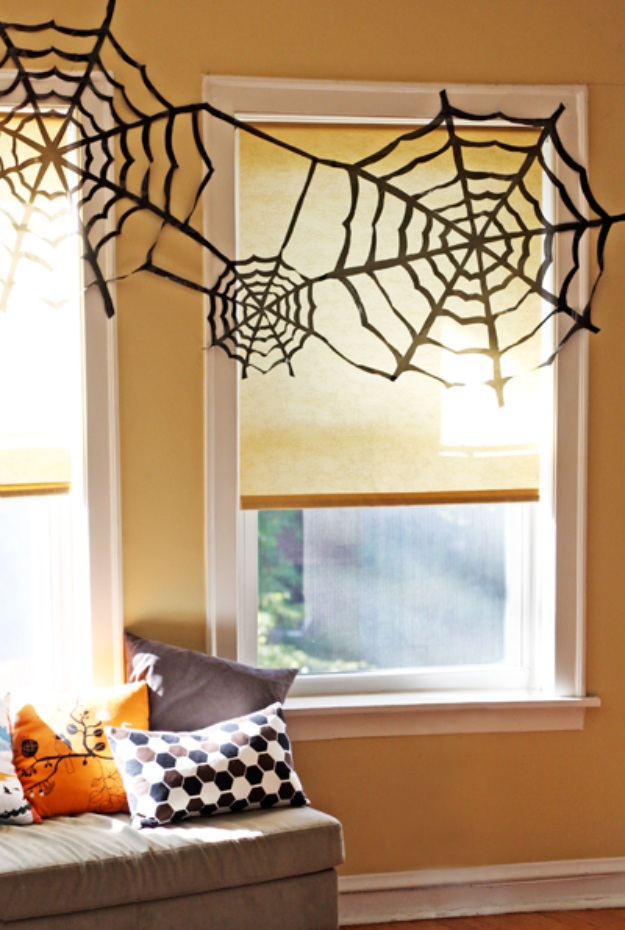 15 Effortless DIY Halloween Party Decorations You Can Make ...