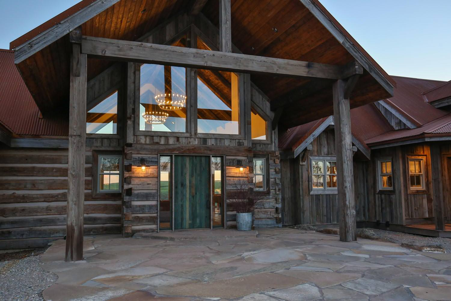 15 enticing rustic entrance designs that will tempt you to for Ranch entrance designs