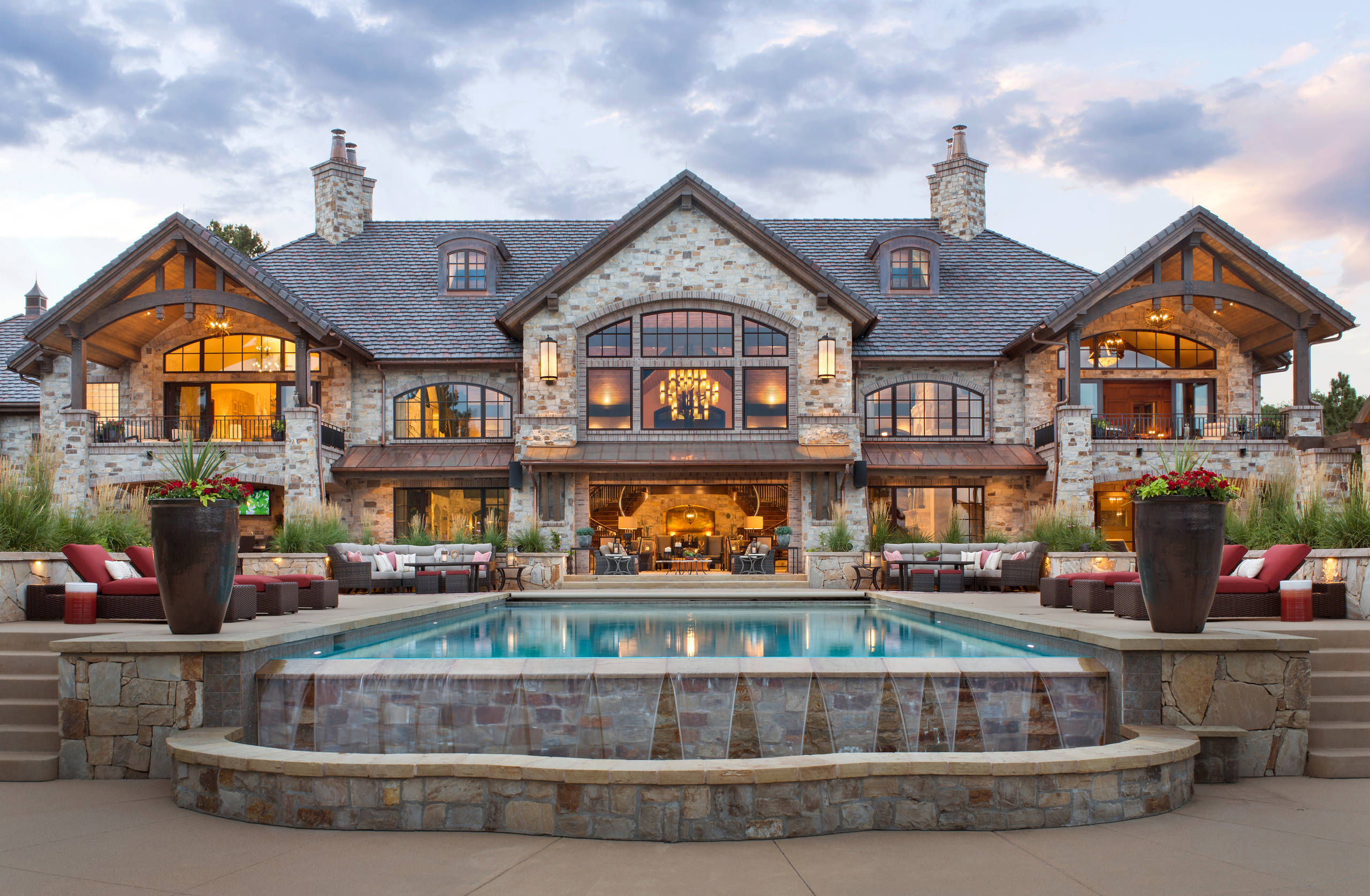 Exterior: 15 Spectacular Rustic Exterior Designs That You Must See