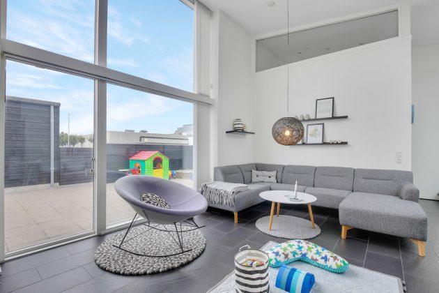 15 Splendid Scandinavian Living Room Designs You'll Fall In Love With