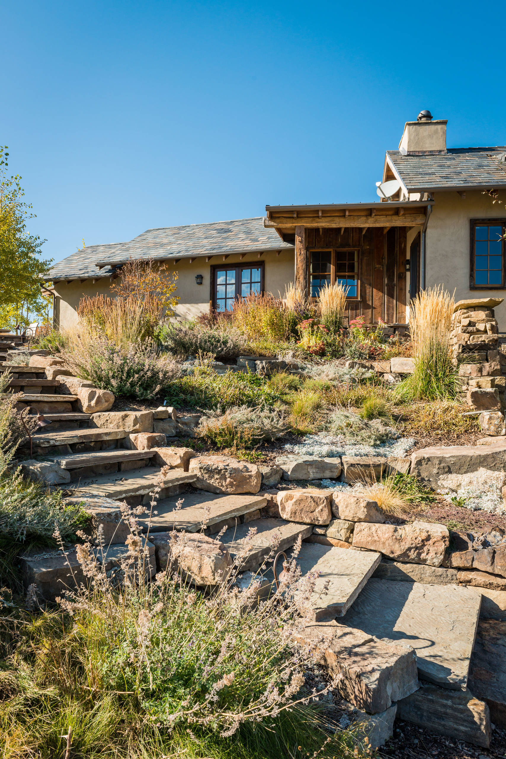 15 Stunning Rustic Landscape Designs That Will Take Your