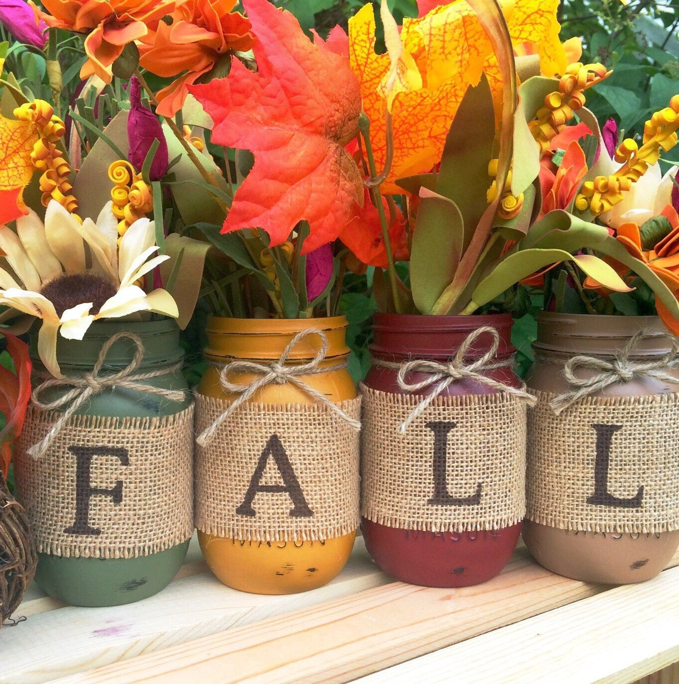 22 Simple Fall Craft Ideas And Diy Fall Decorations: 16 Charming Handmade Thanksgiving Centerpiece Ideas That