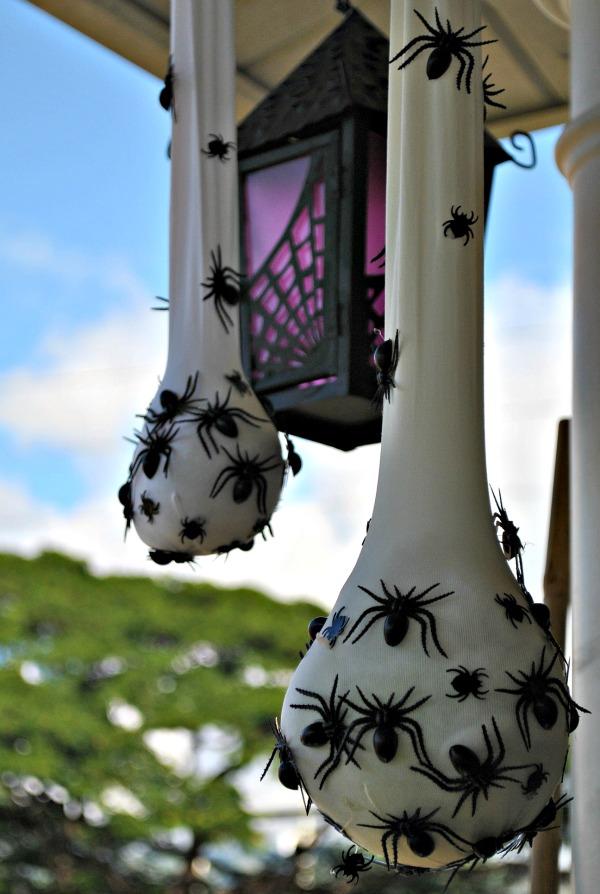 19 Super Easy DIY Outdoor Halloween Decorations That Look ...