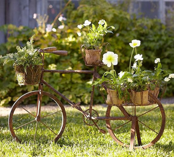 17 Alluring Vintage Decor Ideas To Enhance The Appearance Of Your Garden