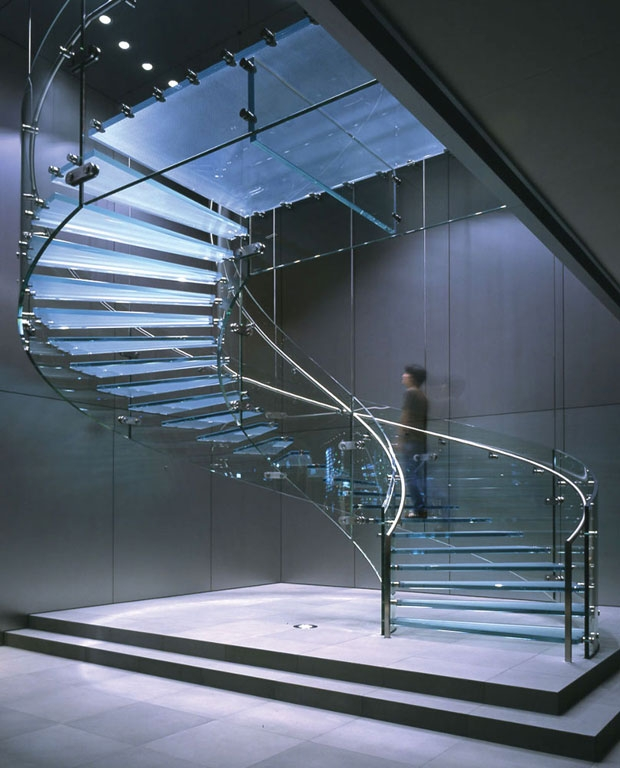 15 Stunning Glass Spiral Staircase Designs That You Shouldn