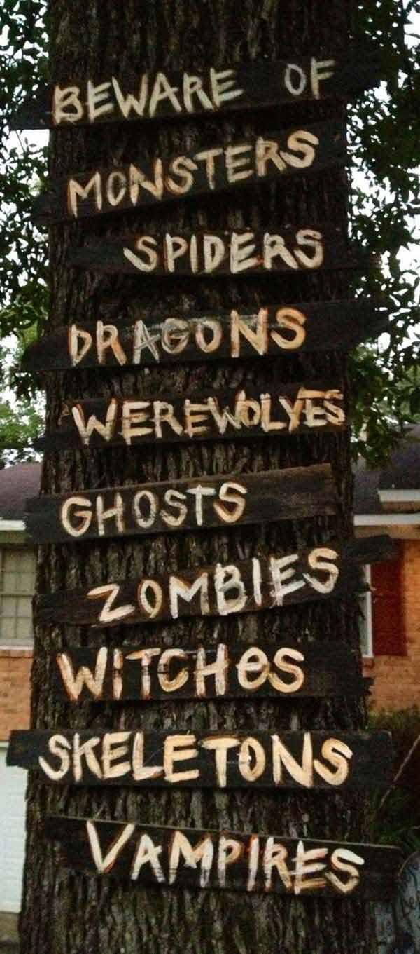 19 Super Easy DIY Outdoor Halloween Decorations That Look So