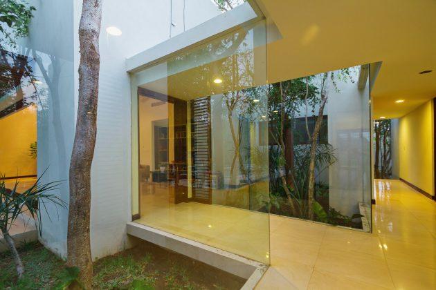 Aldea House by Seijo Peon Arquitectos y Asociados in Merida, Mexico