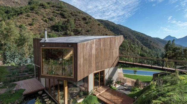 El Maqui House by GITC Arquitectura in Quebrada el Maqui, Chile