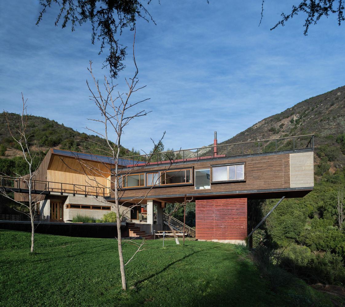 El Maqui House By Gitc Arquitectura In Quebrada El Maqui