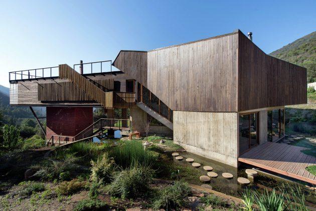 El Maqui House by GITC Arquitectura in Quebrada el Maqui, Chile