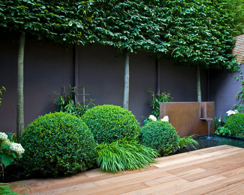 8 Gorgeous Garden Fences and Walls