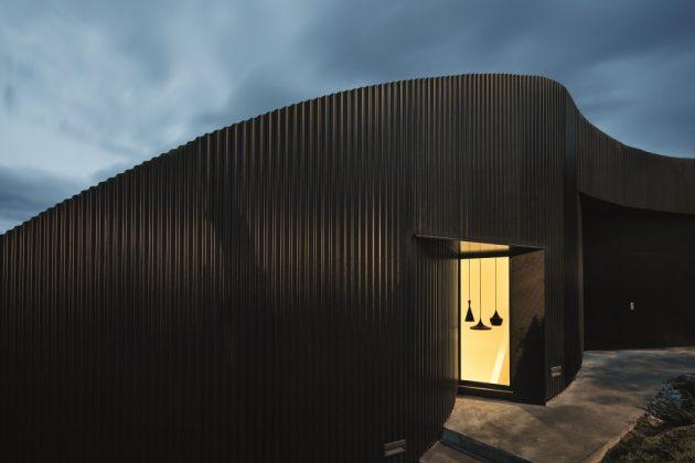 House AT by MIRAG Arquitectura i Gestió in L'Ametlla del Vallès, Spain