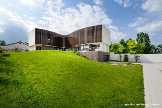 House F by Prographic in Bucharest, Romania