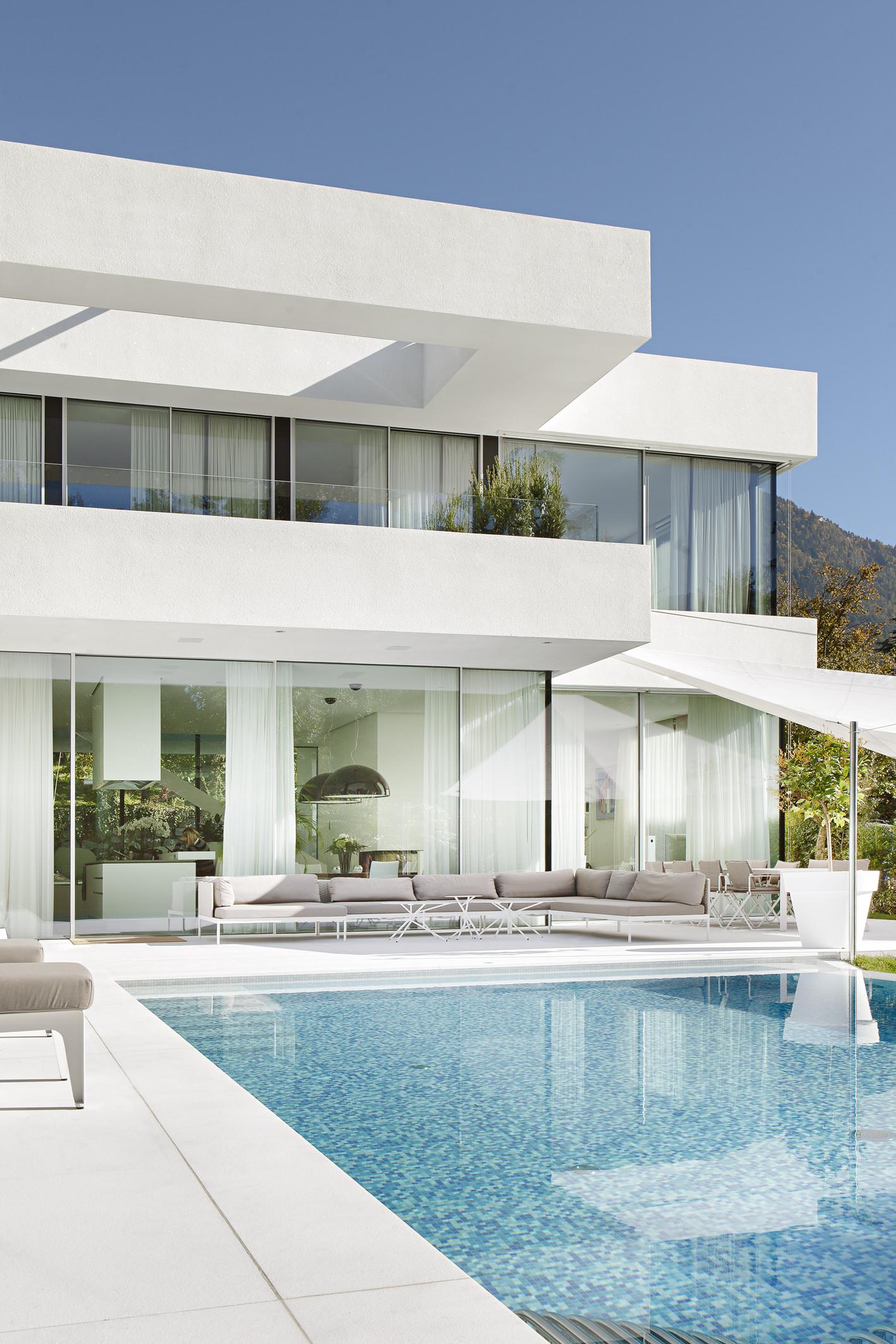 House m by monovolume architecture design in meran italy for Hotel meran design
