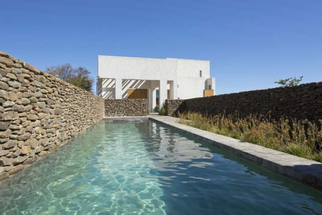 Swartberg House by Openstudio Architects in the Great Karoo, South Africa