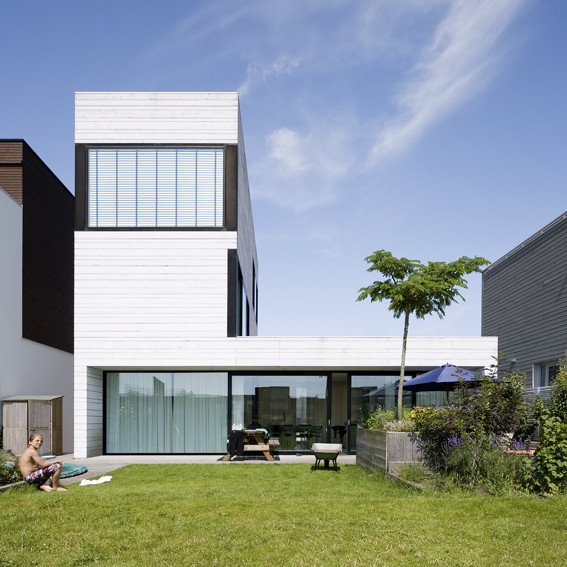 Urban Villa by Pasel.Kuenzel Architects in Amsterdam, The Netherlands