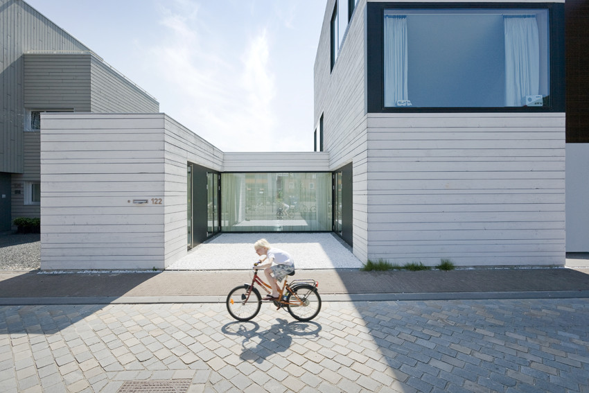 Urban Villa by Pasel Kuenzel Architects in Amsterdam, The