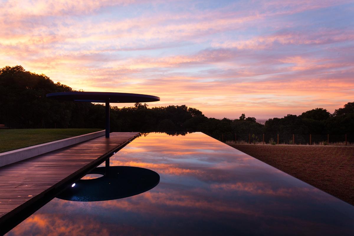 California Embraces Future >> Vidalakis Residence by Swatt Miers Architects in Portola Valley, Calfironia