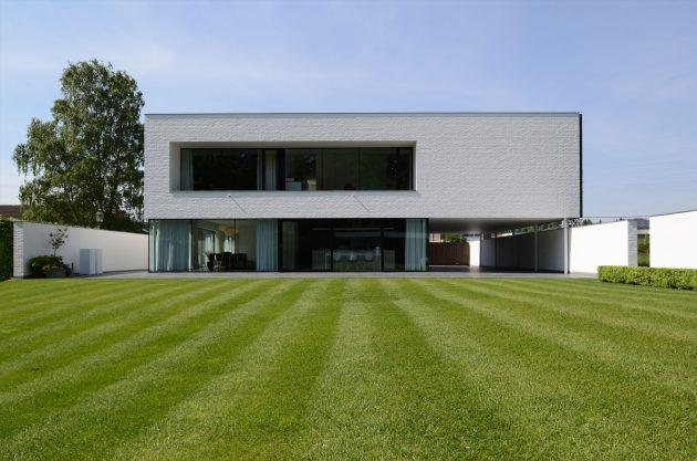 Villa GFR by DE JAEGHERE Architectuuratelier in Roeselare, Belgium