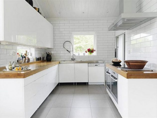 20 Irresistible White Kitchen Designs With Use Of Wood For Elegant Look