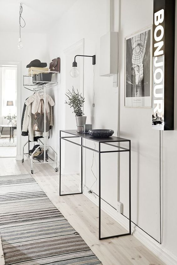 17 Really Beautiful Ideas To Decorate Your Hallway Properly